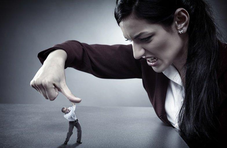 Le 7 cose da non dire MAI ad una donna se non vuoi farla Incazzare